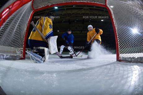 ice hockey goalkeeperの写真素材 [FYI00787165]