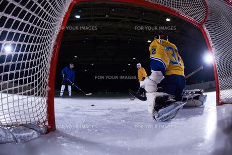 ice hockey goalkeeperの写真素材 [FYI00787207]