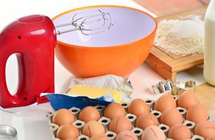 bake baking ingredients and hand mixer for cookiesの写真素材 [FYI00787382]