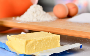 bake baking ingredients for cookiesの写真素材 [FYI00787457]