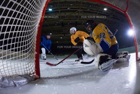 ice hockey goalkeeperの写真素材 [FYI00787779]