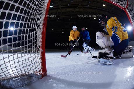 ice hockey goalkeeperの写真素材 [FYI00787796]