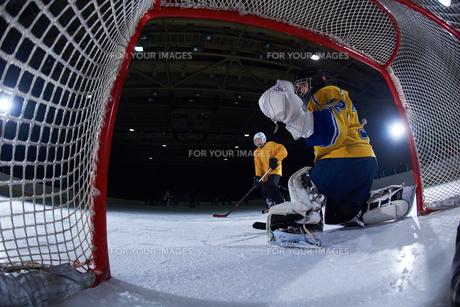 ice hockey goalkeeperの写真素材 [FYI00787824]