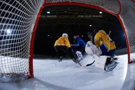 ice hockey goalkeeperの写真素材 [FYI00787825]