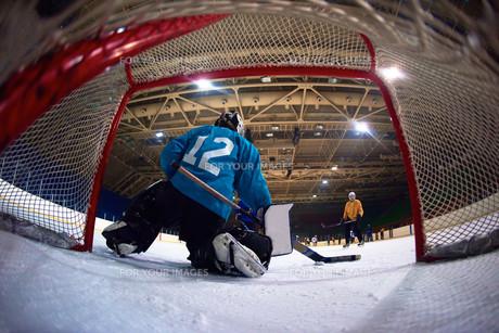 ice hockey goalkeeperの写真素材 [FYI00788060]