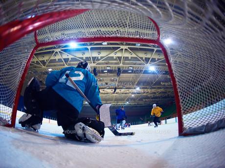 ice hockey goalkeeperの写真素材 [FYI00788066]