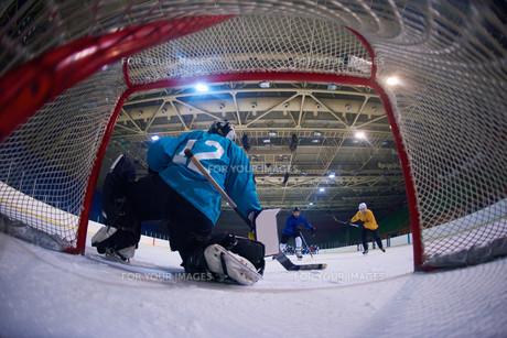 ice hockey goalkeeperの写真素材 [FYI00788070]