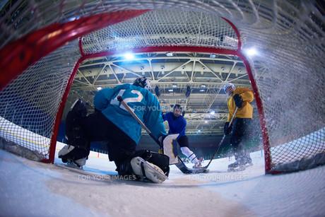 ice hockey goalkeeperの写真素材 [FYI00788074]