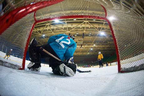ice hockey goalkeeperの写真素材 [FYI00788078]