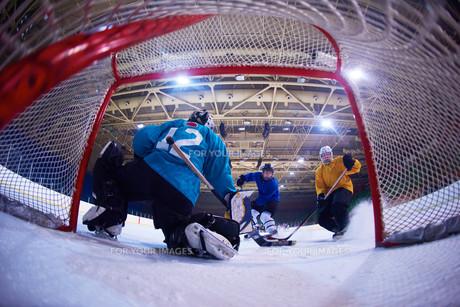 ice hockey goalkeeperの写真素材 [FYI00788111]