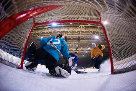 ice hockey goalkeeperの写真素材 [FYI00788150]
