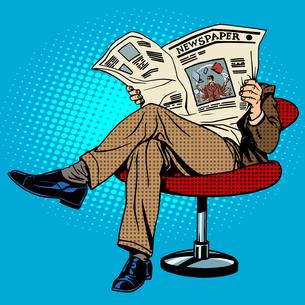 Newspaper reading manの素材 [FYI00788358]