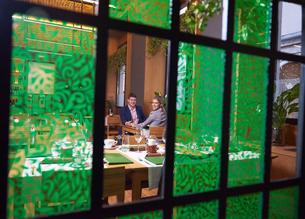 business couple having dinnerの写真素材 [FYI00788468]