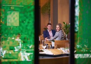 business couple having dinnerの写真素材 [FYI00788475]