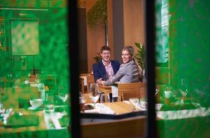 business couple having dinnerの写真素材 [FYI00788480]