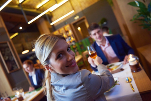 business couple having dinnerの写真素材 [FYI00788492]