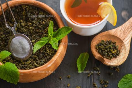 berries  teaの写真素材 [FYI00788561]