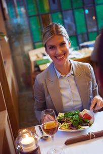 business couple having dinnerの写真素材 [FYI00788608]