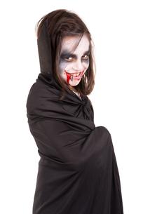 Girl in Halloween vampire costumeの写真素材 [FYI00789212]