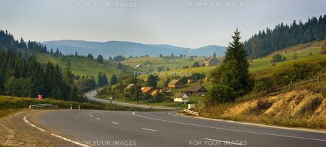 Carpathian roadの素材 [FYI00789258]