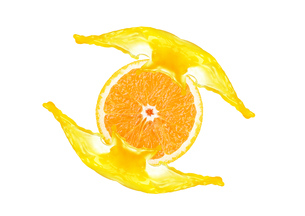 Close-up of a sliced orange with juice splash isolated on whiteの写真素材 [FYI00789346]