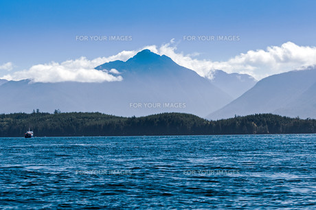 The majestic beauty of the Canadian coastline on the west coast.の写真素材 [FYI00789481]
