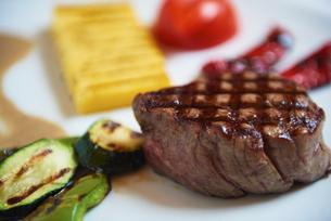 tasty steakの写真素材 [FYI00789771]