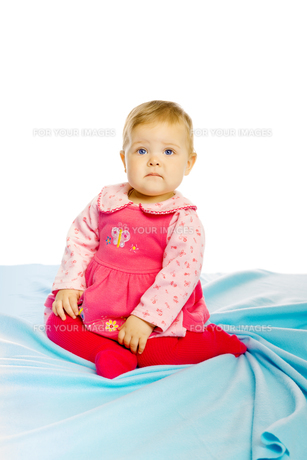 Little girl baby in a dressの素材 [FYI00789972]