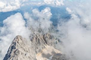 Zugspitze mountain top of Germanyの写真素材 [FYI00790080]