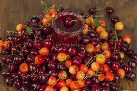boil cherry jamの写真素材 [FYI00790095]