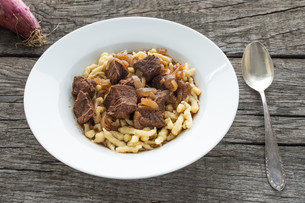 plate with goulash from beefの写真素材 [FYI00790604]
