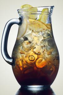 Jug of ice teaの写真素材 [FYI00791164]