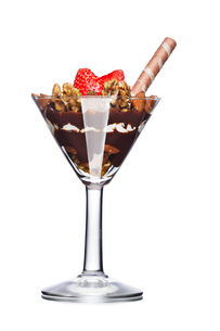 Dessert with nuts and chocolate decorated with strawberry. Sweet food. Parfaitの写真素材 [FYI00791193]