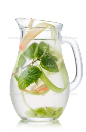 Rhubarb lemonadeの写真素材 [FYI00791245]