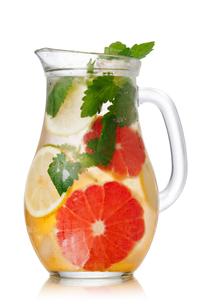 Grapefruit lemonade pitcherの写真素材 [FYI00791246]