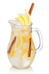 Lemon cinnamon lemonadeの写真素材 [FYI00791324]