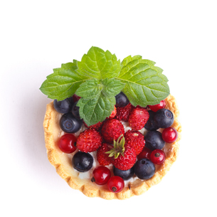 Dessert with wild berriesの写真素材 [FYI00791339]