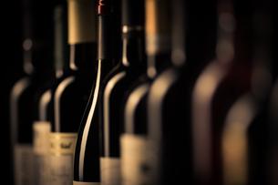 Bottles of wineの写真素材 [FYI00791376]