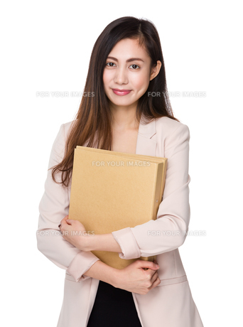 Asian businesswoman hold with document workの写真素材 [FYI00791508]