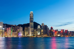 Hong Kong city at nightの素材 [FYI00791724]