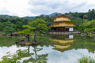 Golden Pavilion in Kyotoの写真素材 [FYI00791740]