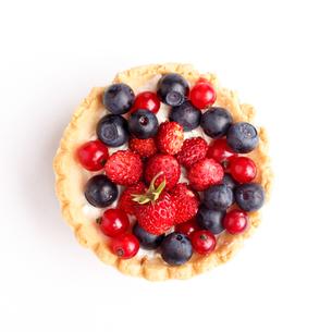 Dessert with wild berriesの写真素材 [FYI00791742]