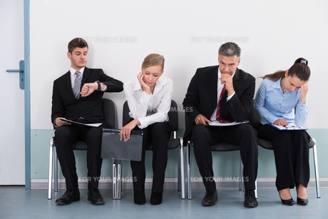 Businesspeople Waiting For Job Interviewの写真素材 [FYI00791902]