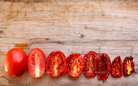 Dried tomatoesの素材 [FYI00792059]