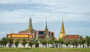 Wat Phra Kaew.Temple of the Emerald Buddha in Bangkok, Thailandの素材 [FYI00792298]