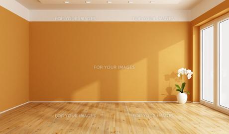 Empty orange roomの写真素材 [FYI00792300]