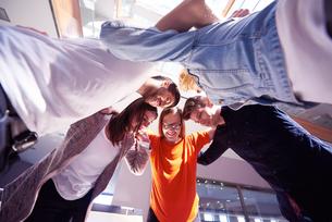 happy students celebrateの写真素材 [FYI00792698]