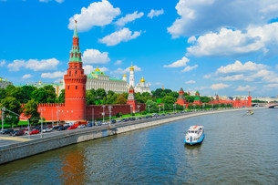 Moscow Kremlin and Moscow Riverの写真素材 [FYI00792942]
