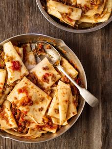 rustic italian pasta in ragu sauceの写真素材 [FYI00792957]
