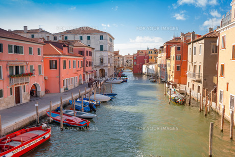 Chioggia, view of Canal Venaの写真素材 [FYI00792980]